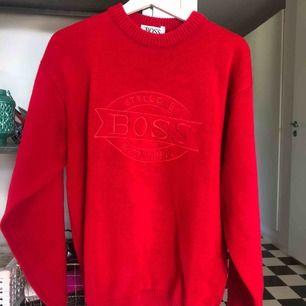 Oanvänd Hugo boss tröja köpt på second hand storlek xxl men upplever den mer som en XL-L 150kr plus fraktkostnad 💘