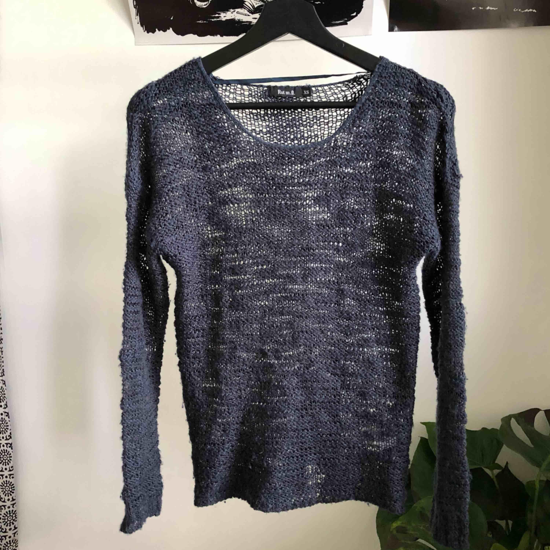 Mörkblå stickad tröja ifrån JC 💕. Stickat.