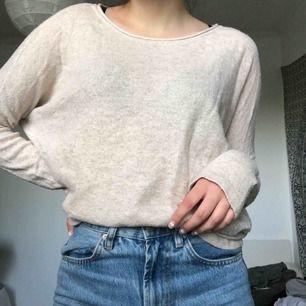Fin beige tröja ifrån H&M 💕