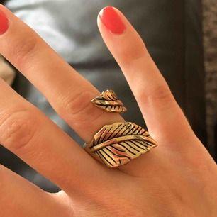 Fin ring som dock är något för stor för mina fingrar så tänker att det enda rätta är att någon annan får den som faktiskt får användning av den. ☺️  Frakt 9 kr. Jag tar swish.