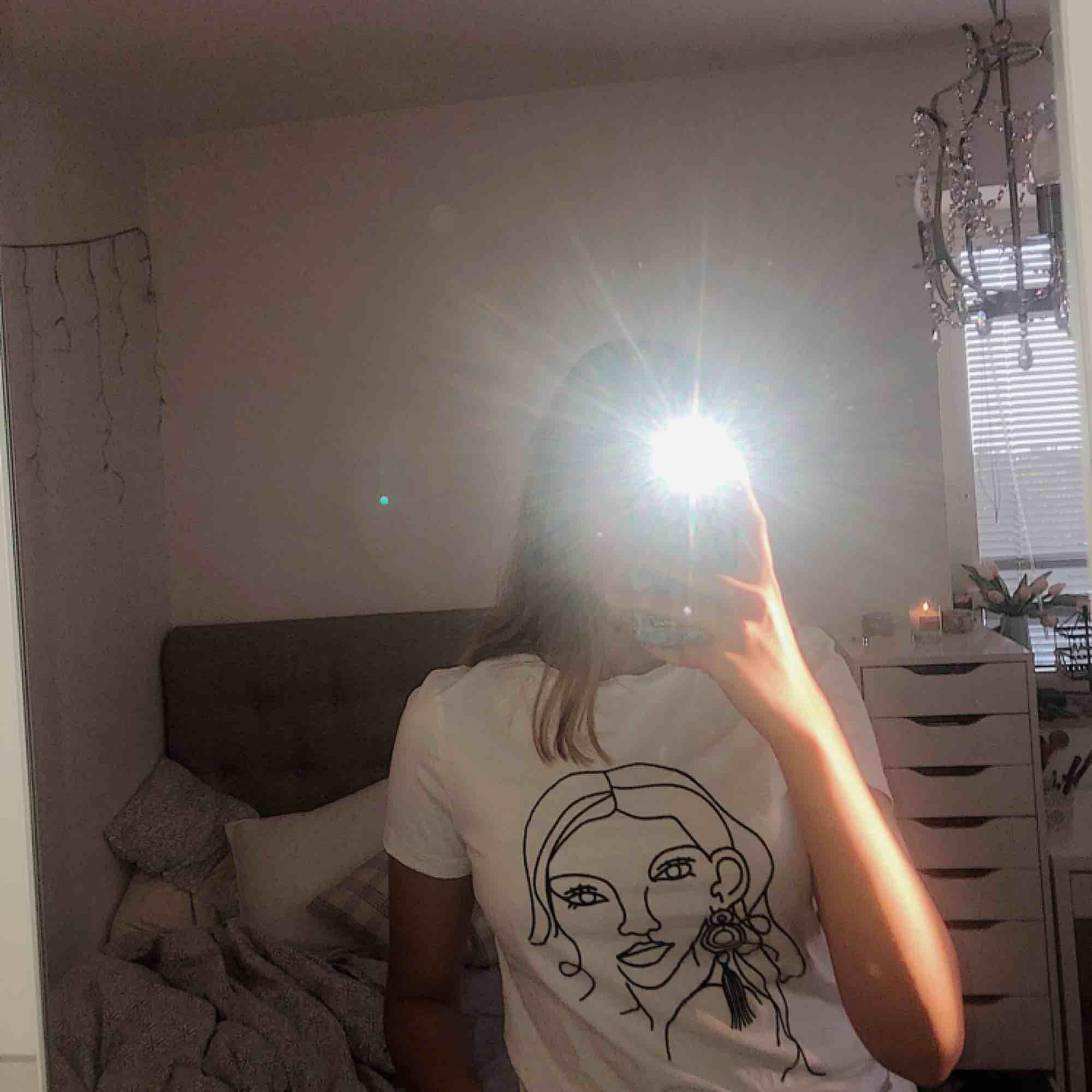 Cool t-shirt från cubus. aldrig använd! . Toppar.