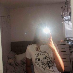 Cool t-shirt från cubus. aldrig använd!