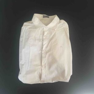 Vit J.lindeberg skjorta storlek L.