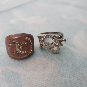 Chanel och dior ring (kopia). Se ut som på bilden, frakt 9 kr betalning via swish