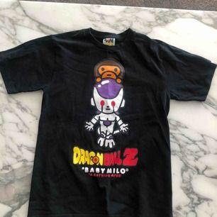 Bape T-shirt  Storlek s  Aldrig använd