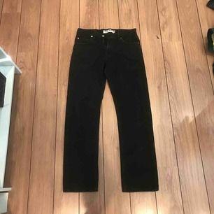Ett par svarta Levis jeans, 505or. Väldigt bra skick. Inte stretch.