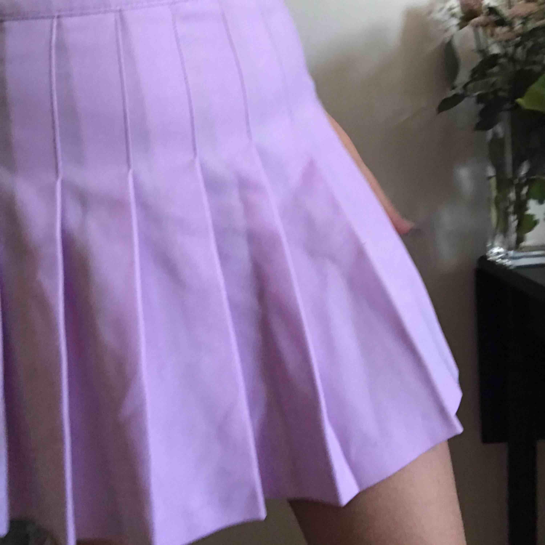 American Apparel Tennis Skirt - pastel En Classic tennis skirt från American Apparel! Alltid fin Storlek -M-L. Kjolar.
