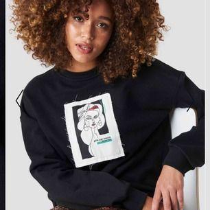 Superfin tröja ifrån NAKD! Vid intresse kan fler bilder skickas!