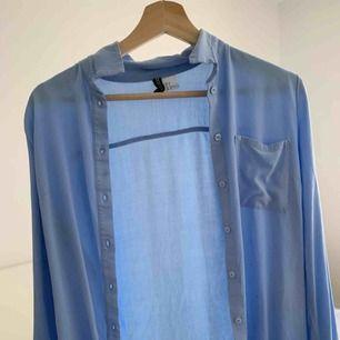 Skjorta från HM i st 32, knappt använd
