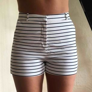 Sköna shorts från Zara, prislappen kvar så aldrig använda.