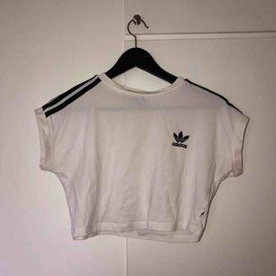 Adidas, vit T-shirt