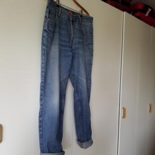 Vintagejeans i storlek w36 l32