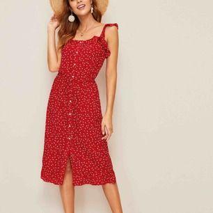 Helt oanvänd ny klänning  Strl Xs/s Frakt 62kr