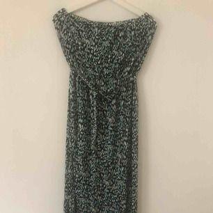 Ny tub klänning med avtagbart band i midjan