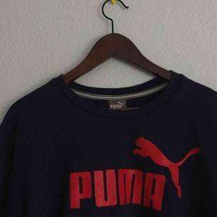 Baggy avklippt Puma jumper 👀 XL men passar mig eftersom det ser baggy ut! Frakt inräknad i priset