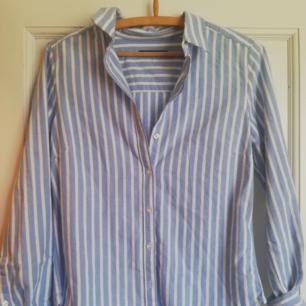 Helt oanvänd skjorta från gina