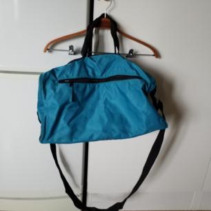 Fin turkos väska i perfekt skick