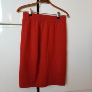 Röd vintagekjol med innerfoder