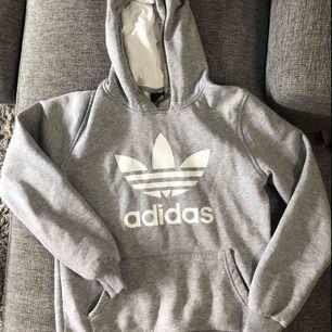 Adidas hoodie, storlek S