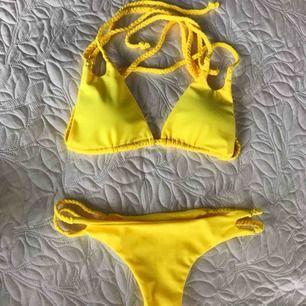 Helt ny bikini från Meloonpro i stl L men är som en S, säljes för att den tyvärr var för liten.  Nypris 499 kr Möts helst upp i Trollhättan.