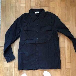 Acne Studios, svart skjorta Stl. 50 / M/L