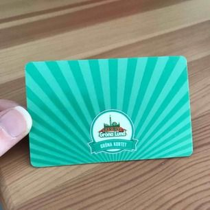 Hejsan! Jag säljer mitt gröna kort till Gröna Lund eftersom jag insett att jag inte kan gå på de konserter jag hade tänkt. Nypris ligger på 290 och jag säljer nu för 180 + eventuell fraktkostnad, priset går att diskutera lite vid snabb affär!🌸