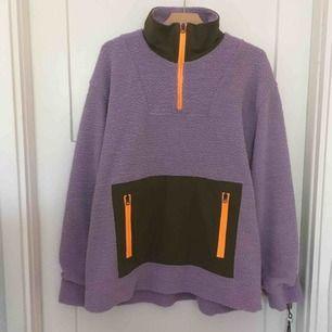 Acne Studios Terrycloth fleece sweatshirt Lilac. Aldrig använd.