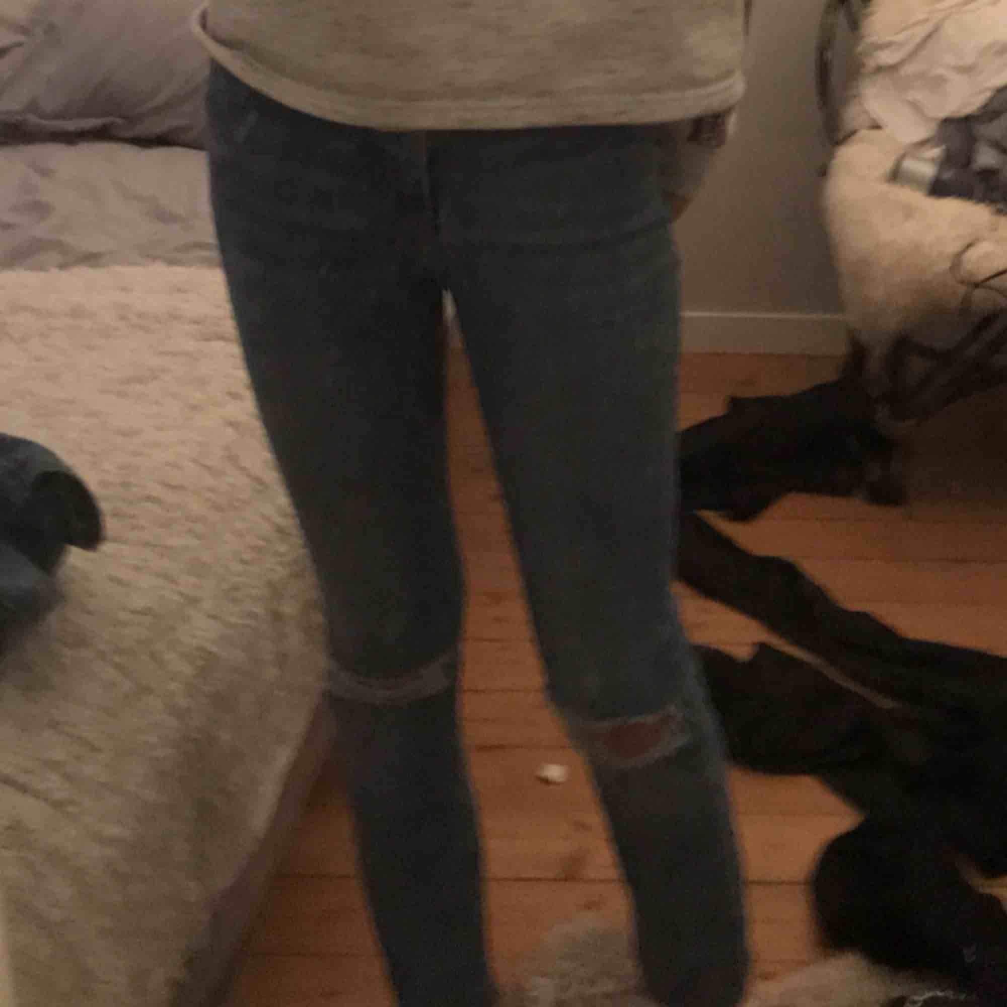 Molly jeans från Gina köpta för 400kr, passar xs-s😘 nyskivk. Jeans & Byxor.