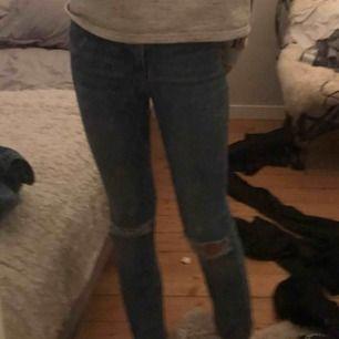 Molly jeans från Gina köpta för 400kr, passar xs-s😘 nyskivk
