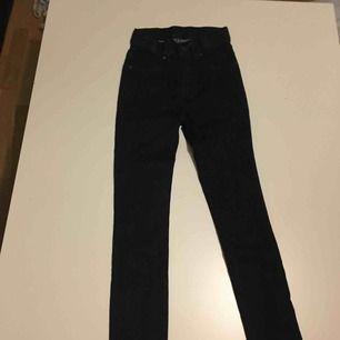 Jeans från Dr denim (mörkblåa)