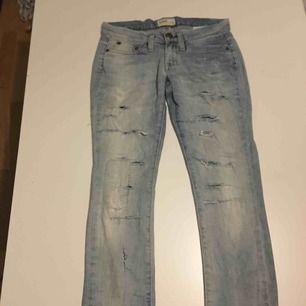 Lee jeans slitna
