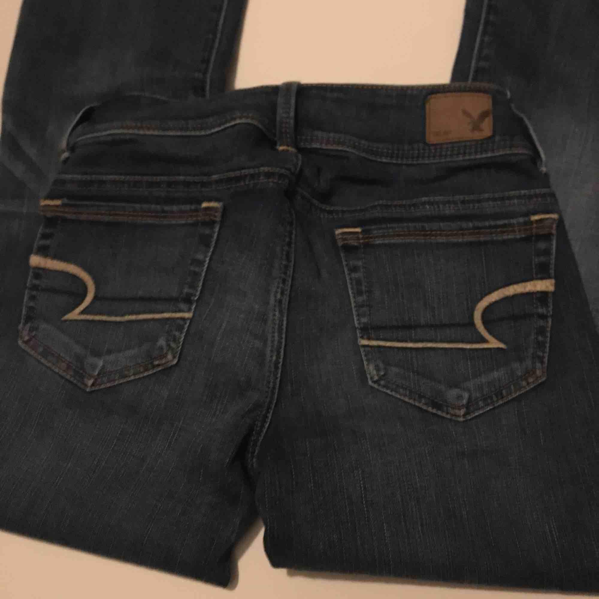 Kickboot jeans från amerikan eagle använt sparsamt så gott som nya. Jeans & Byxor.
