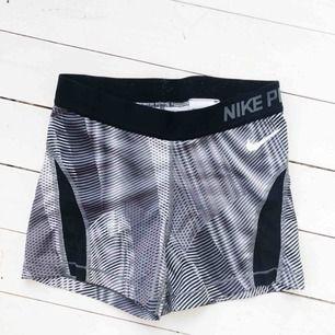 Nike PRO shorts. Säljs då dem är för små för mig.