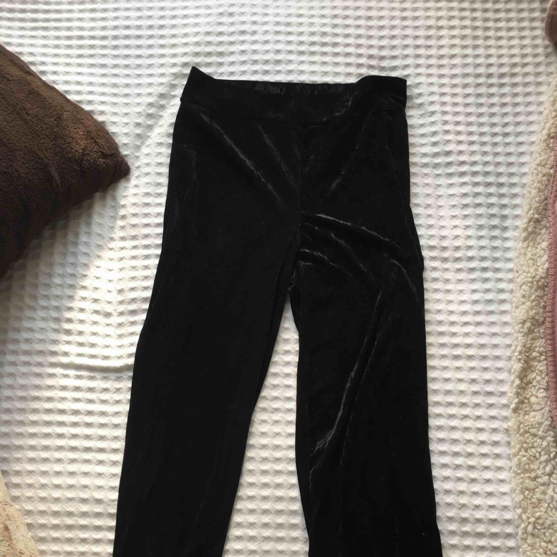 Garderobsrensning. Köparen betalar frakten :). Jeans & Byxor.