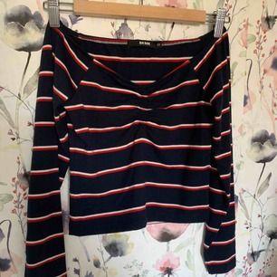 Fin tröja från bikbok i storlek XS. Använd 3 gånger och sitter superfint. Frakt på ca 40 kr