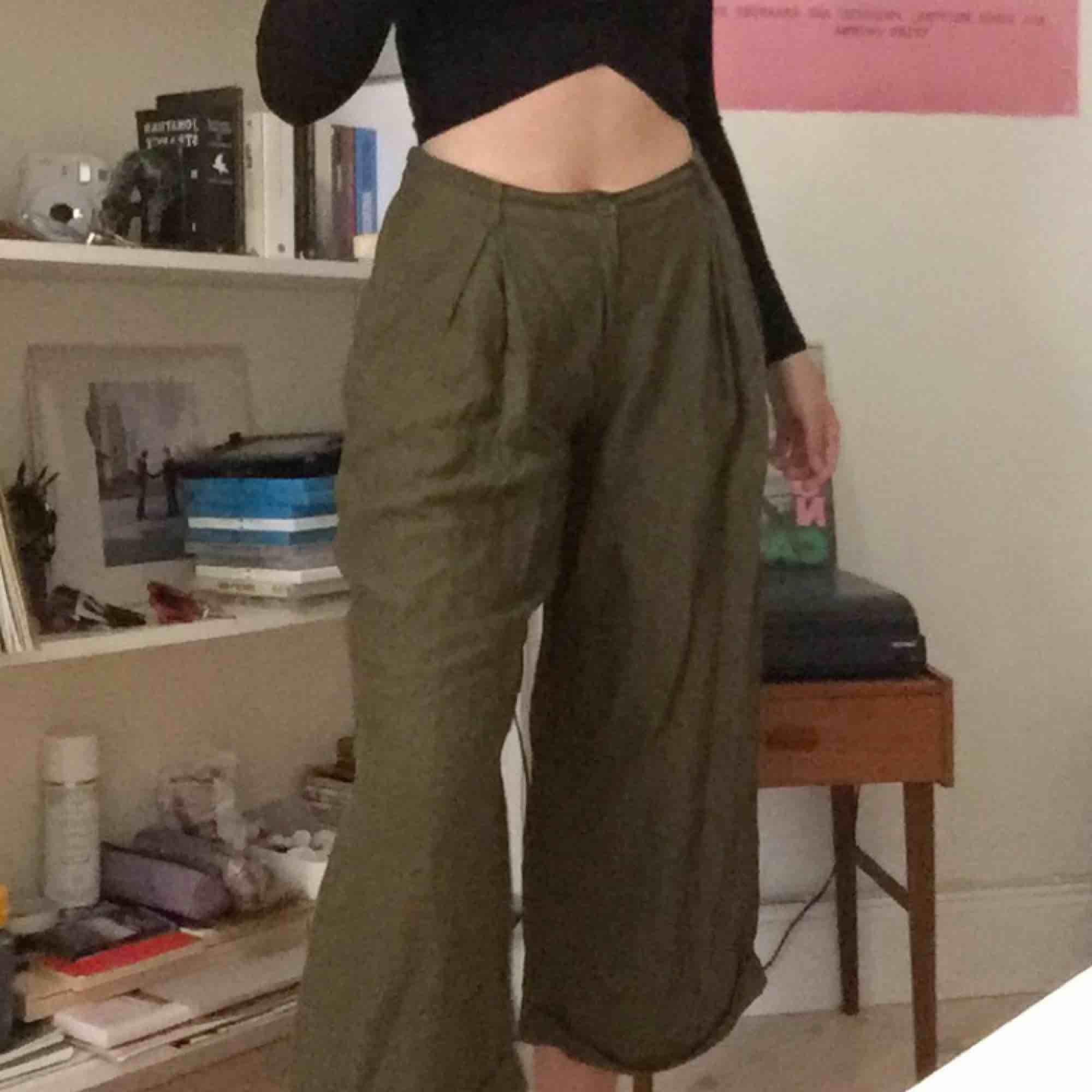 Köpta på Carin Wester, möter upp i Stockholm eller skickar då köparen betalar för frakt.. Jeans & Byxor.