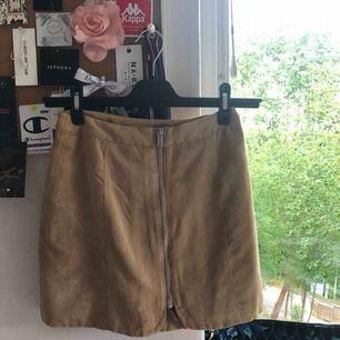 Brun mocka kjol från hm aldrig använd