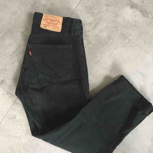 Vintage Levi 501s jeans in black / svarta / amazing condition !