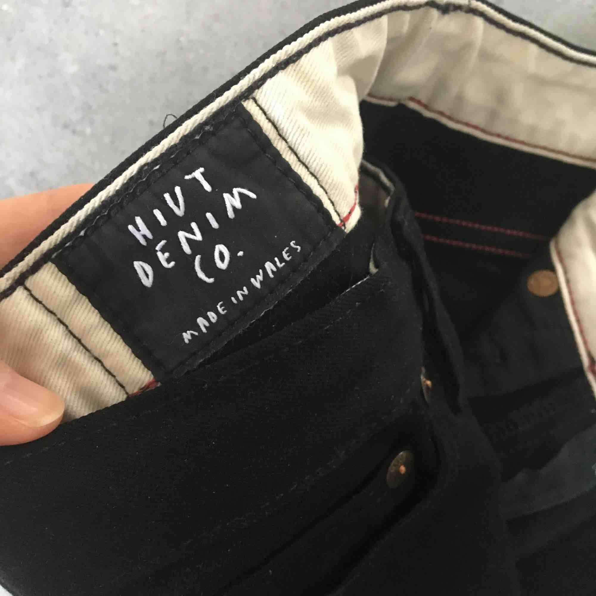 Designer stretch skinny jet black jeans by Hiut. Jeans & Byxor.