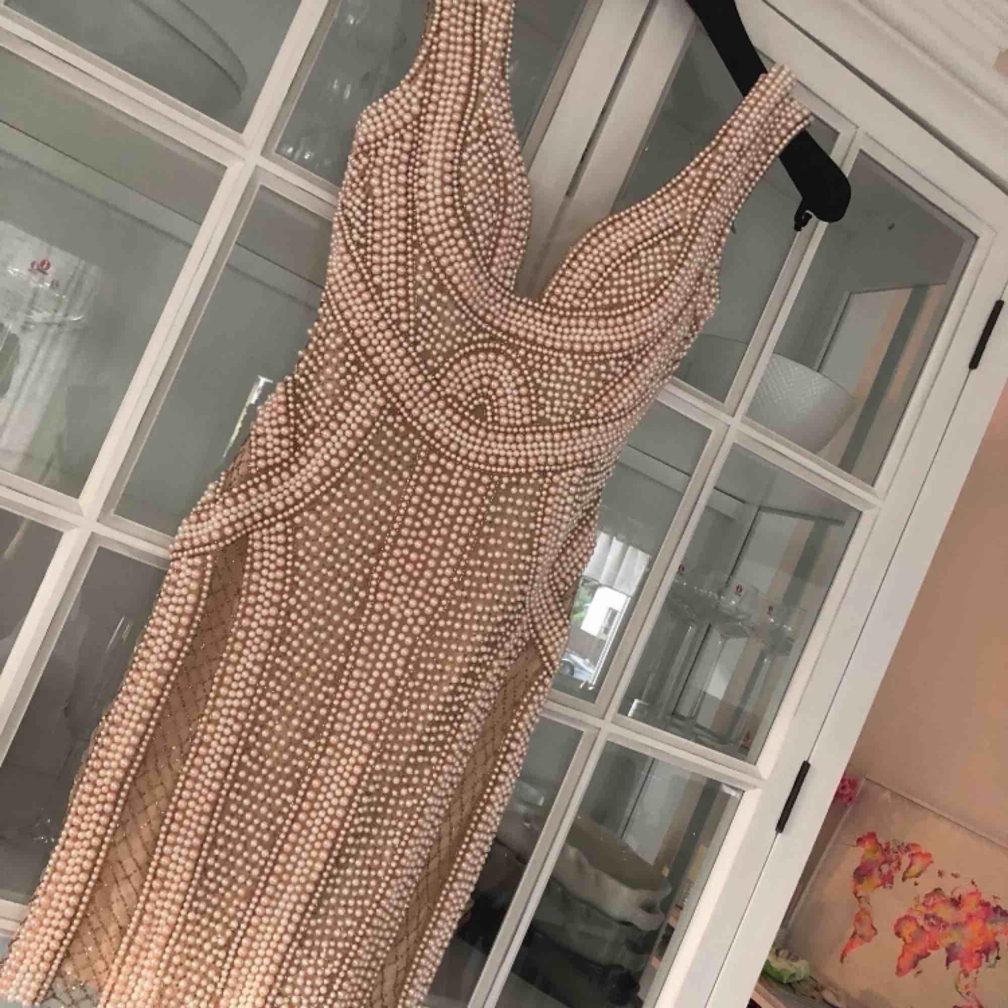 Talitha couture pärl klänning fest, bal, bröllop slutsåld! Jättefint skick. Xs/liten s. Kemtvättad.. Klänningar.