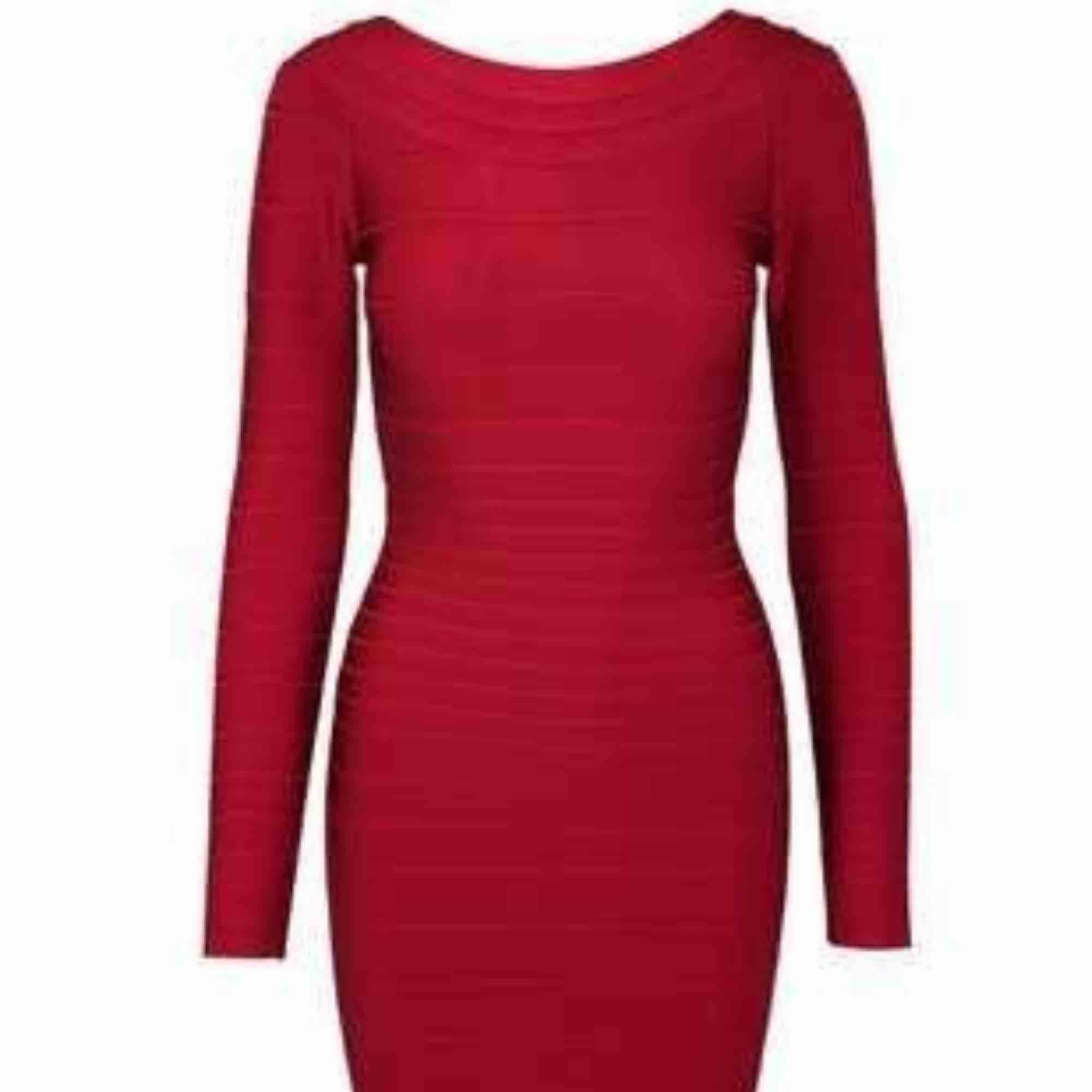 Bandage klänning xs ny röd. Klänningar.