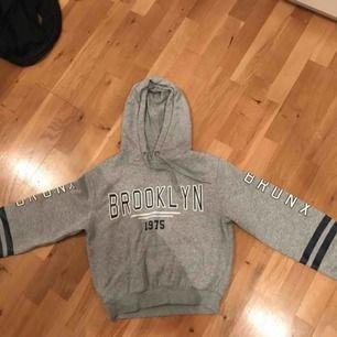 Jättefin grå hoodie, använd ett par gånger.