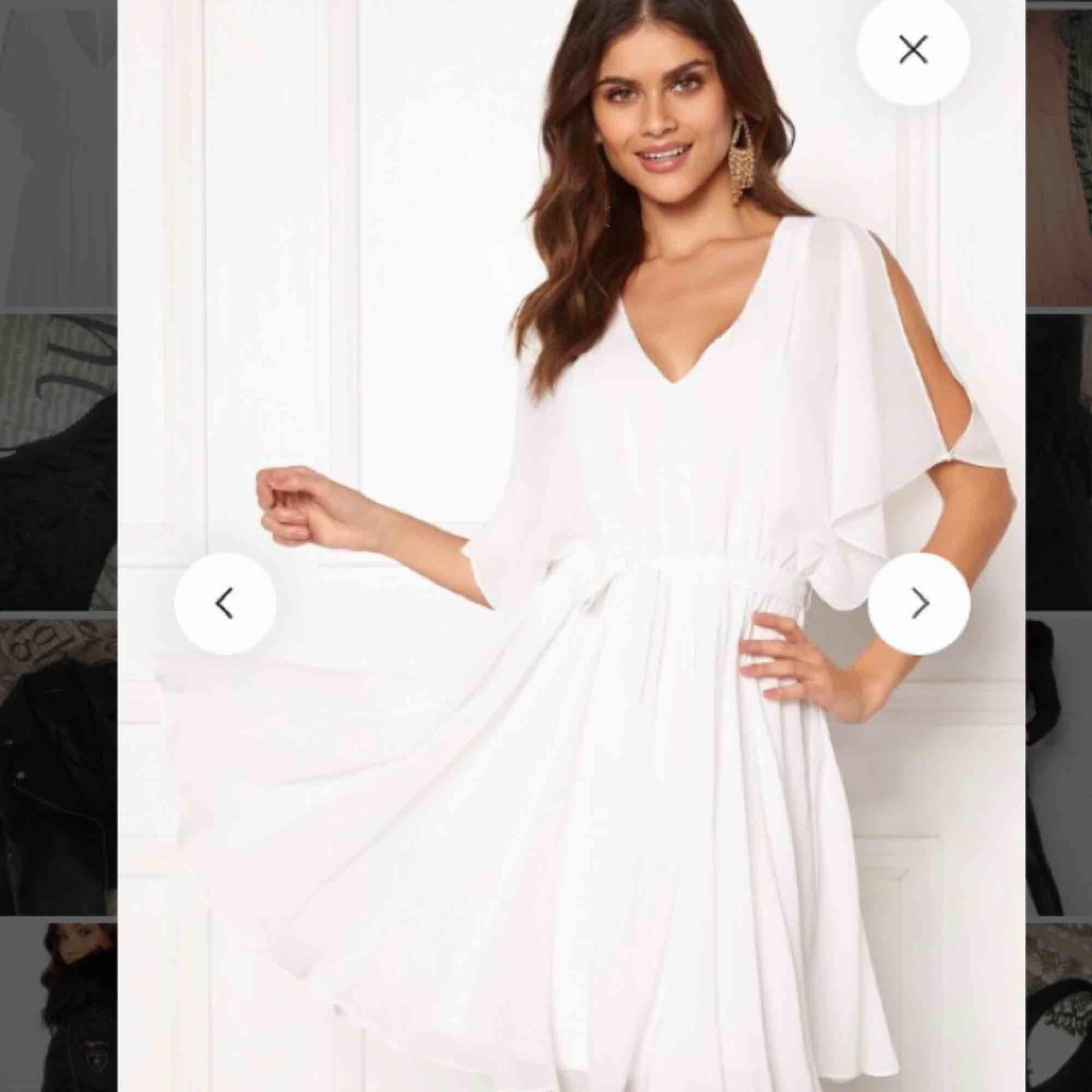 Fin klänning ifrån Bubbleroom som aldrig kommit till användning, sitter jättefint . Klänningar.