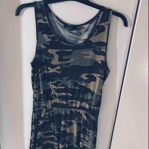 Camoflage klänning från Bikbok Super skön och stretchig  Frakt tillkommer!