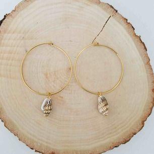 Handgjorda örhängen - frakt 9 kr 🌊
