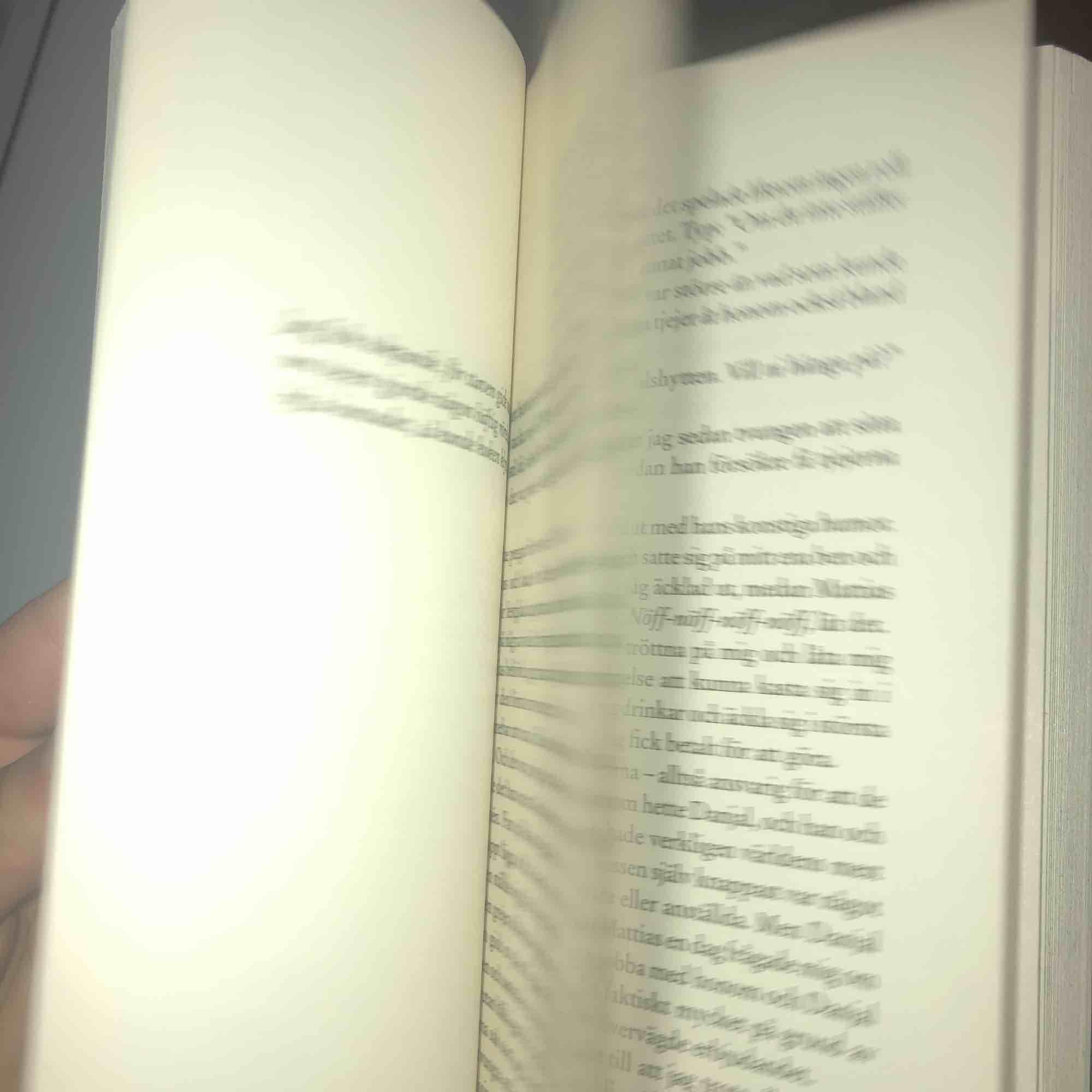"""Joakim Lundells bok! """"Monster"""" verkligen intressant!😍. Övrigt."""