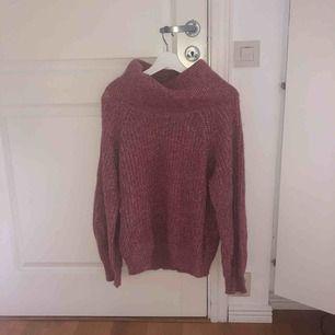 oanvänd stickad rosa tröja! Jätteskön! Hyfsad oanvänd, använt någon enstaka gång💖💖