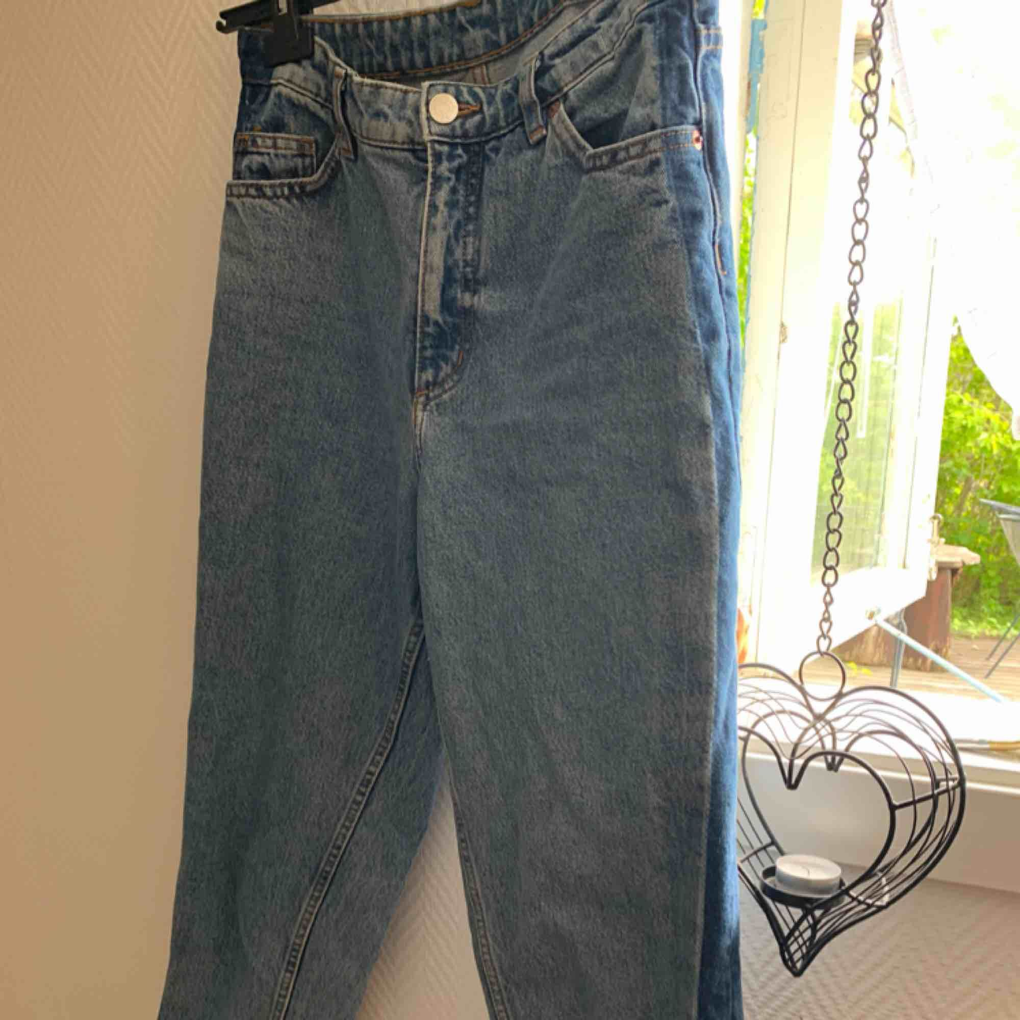 Tyvärr är mina älskade jeans från monki för små för mig, men dom är i väldigt bra skick! . Jeans & Byxor.