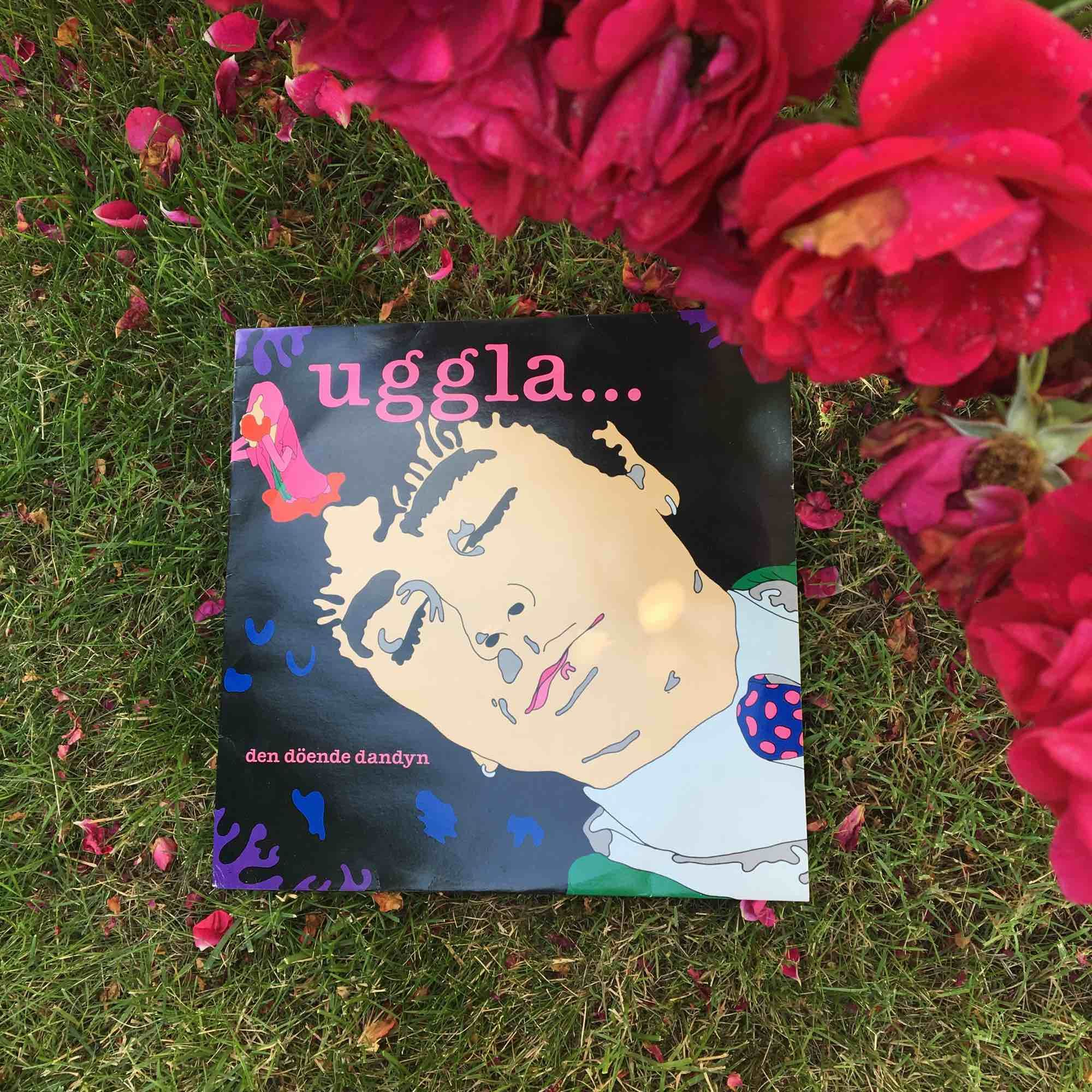 """Lp skiva av Magnus Uggla, """"uggla... den döende dandyn"""" från 1986. Övrigt."""
