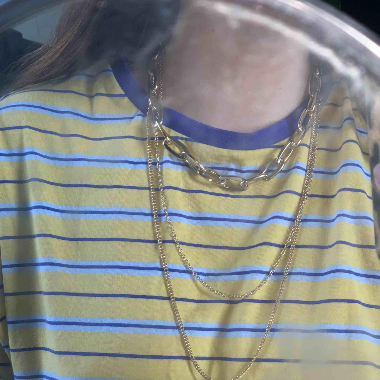 Superfint halsband i guld. Aldrig använt så i superfint skick! . Accessoarer.